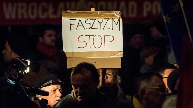 Łapiński: organizatorzy Marszu Niepodległości bez zaproszenia do komitetu 100-lecia niepodległości