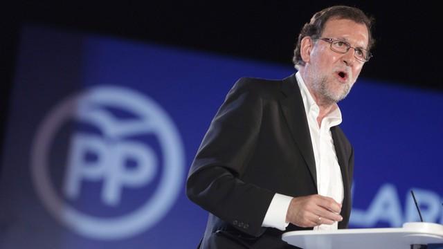 Hiszpania: konserwatyści Rajoya wygrali wybory