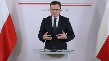 17-11-2017 17:23 Ziobro: zmiana decyzji o asesorach to kompromitacja Krajowej Rady Sądownictwa