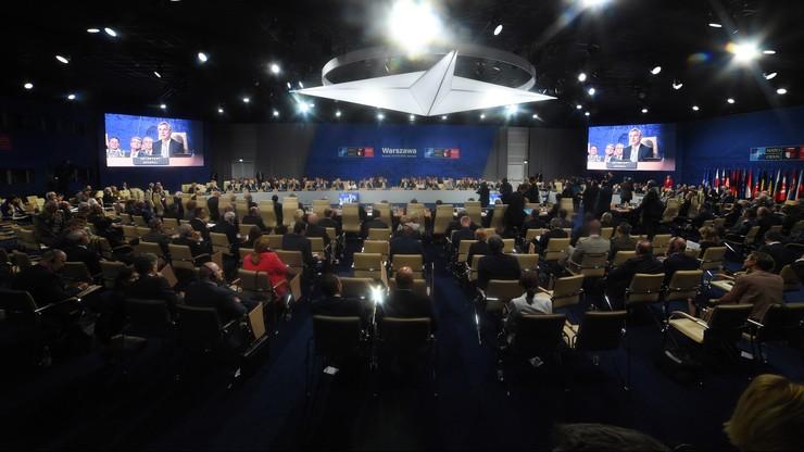 """""""Pośmiertne przedłużenie zimnej wojny"""". Włoska prasa o szczycie NATO"""