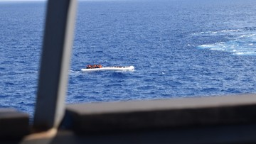 """05-11-2016 07:40 """"Odwracanie głowy od tragedii"""". Apel do UE ws. śmierci uchodźców na morzu"""