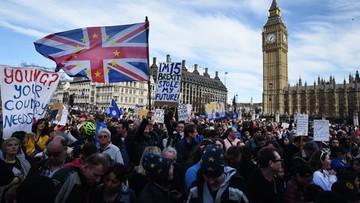 25-03-2017 16:12 Tłumy na ulicach Londynu. Manifestacja przeciwników Brexitu