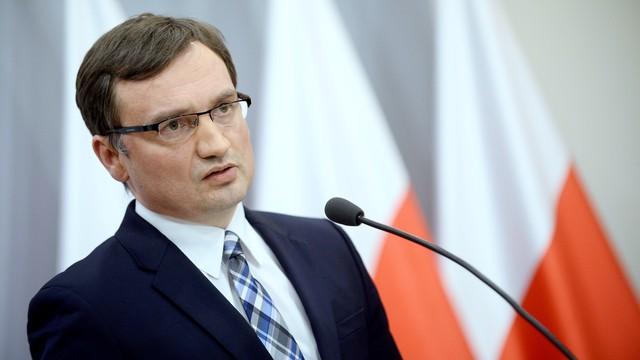 Prokuratorzy skarżą Ziobrę do Strasburga