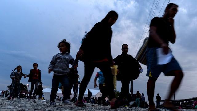 ONZ: rekordowa liczba osób uciekała przed wojną w 2015 roku
