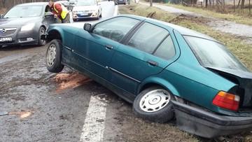 29-02-2016 22:18 19-latek bez prawa jazdy w BMW uciekał przed policją. Skończył w rowie