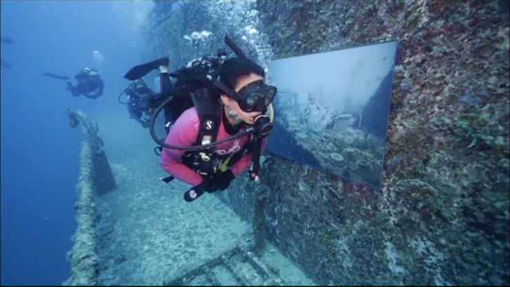 """Tonący świat"". Podwodna galeria sztuki"