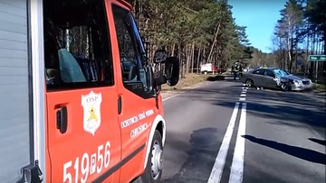 27-03-2017 10:58 Motocyklista na jednym kole jechał przez wieś. Kilka minut później miał wypadek. Zmarł w szpitalu
