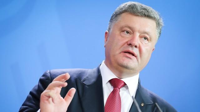 Poroszenko: z Putinem wstępnie udało się określić termin powrotu Sawczenko