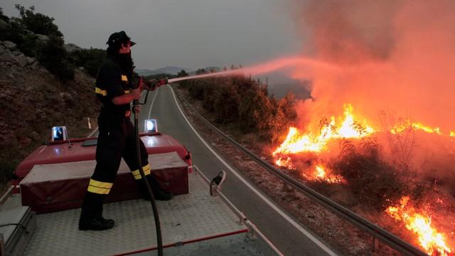 Chorwacja: od niedzieli płoną lasy w Dalmacji - ewakuowano niektóre hotele