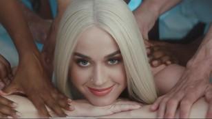 Katy Perry z nowym teledyskiem. Piosenkarka wygląda... smakowicie