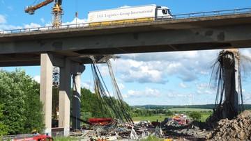 15-06-2016 22:42 Zawaliło się przęsło mostu na autostradzie w Niemczech. Co najmniej 1 zabity