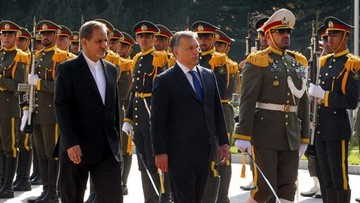 01-12-2015 05:12 Orban proponuje Iranowi współpracę nuklearną
