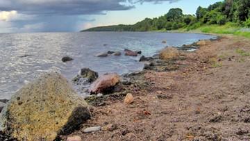 Żeglarz wypadł za burtę katamaranu na Bałtyku. Trwają poszukiwania
