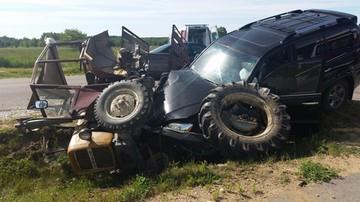 10-06-2016 12:24 Samochód Włodzimierza Cimoszewicza zderzył się z ciągnikiem