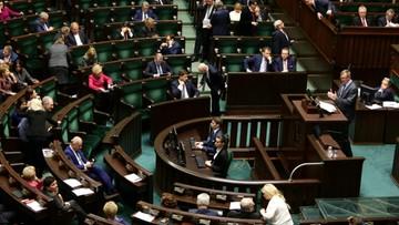 """30-11-2016 05:39 """"Ograniczenie dla przeciwników miesięcznic smoleńskich"""". Debata w Sejmie o projekcie ws. zgromadzeń"""