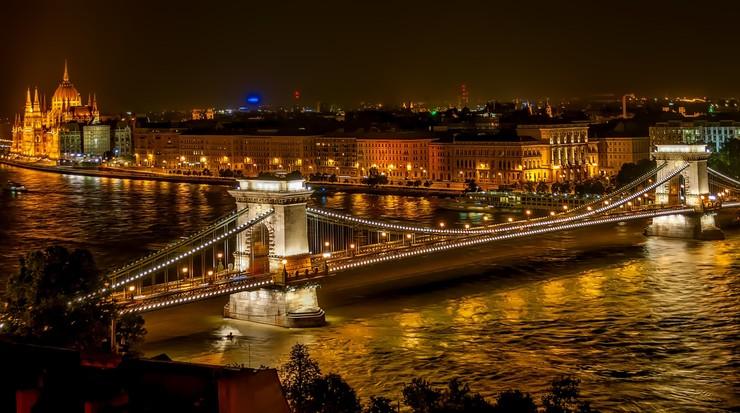 Szef MSZ Węgier: nie postrzegamy Rosji jako zagrożenia, a Polska tak