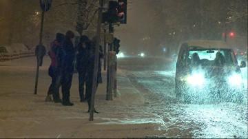15-01-2016 21:00 W Polsce sypnęło śniegiem. Trudne warunki na drogach