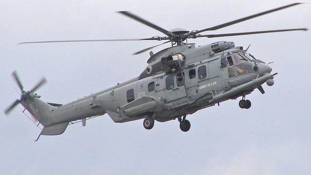 Macierewicz: dwa śmigłowce do testów trafią do polskiej armii