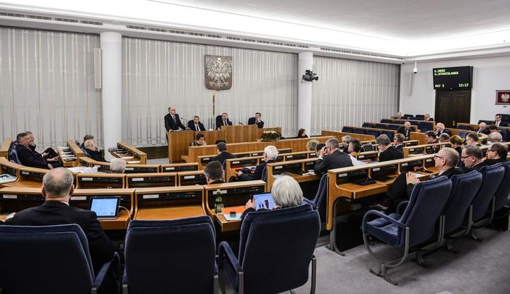 Senat: ustawa o podatku bankowym z poprawkami