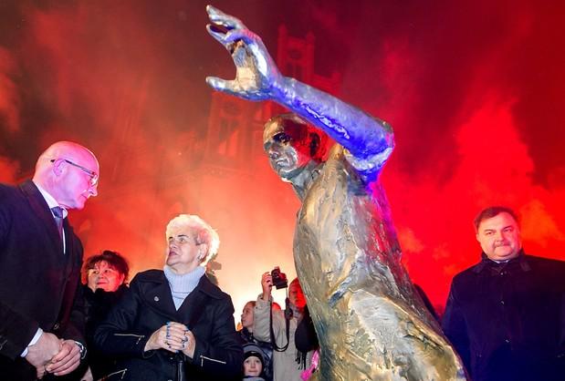 Gerard Cieślik ma pomnik i ławeczkę