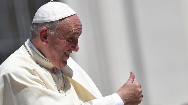 Papież: wyznawcy innych religii dają nam dobry przykład