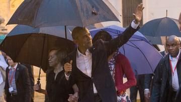 """21-03-2016 06:34 """"Jak wam leci?"""". Obama rozpoczął historyczną wizytę na Kubie"""
