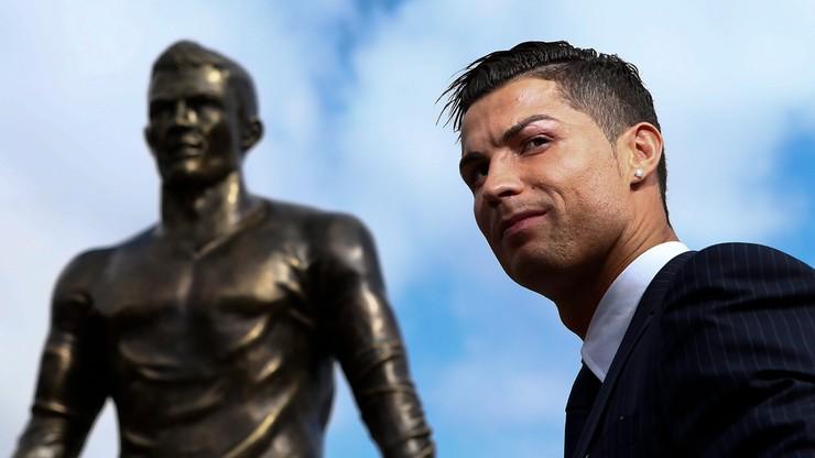 Pomnik Ronaldo stał się Messim