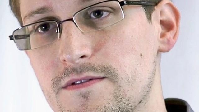 Rosja, MSZ: Snowdenowi przedłużono prawo pobytu na kolejne lata