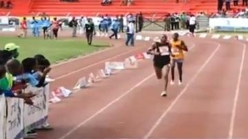 2015-10-27 Kenijczyk włączył się do maratonu na... ostatnim kilometrze! Przybiegł na drugim miejscu