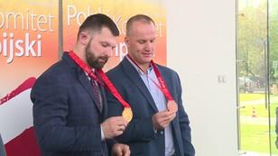 Olimpijskie medale z 9-letnim poślizgiem - polscy sztangiści triumfują po latach