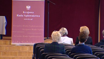 """KRS wycofuje wnioski z TK, bo orzekać mają """"dublerzy"""". Z obawy o """"chaos prawny"""""""