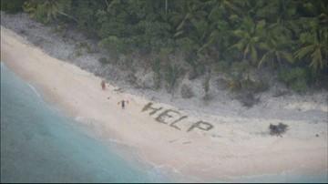 09-04-2016 17:38 Zagubieni żeglarze odnalezieni. Uratował ich napis ułożony na plaży