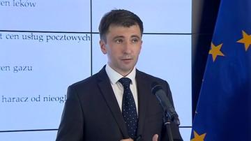 PO: decyzje PiS wyjęły z kieszeni polskich gospodarstw ponad 700 zł