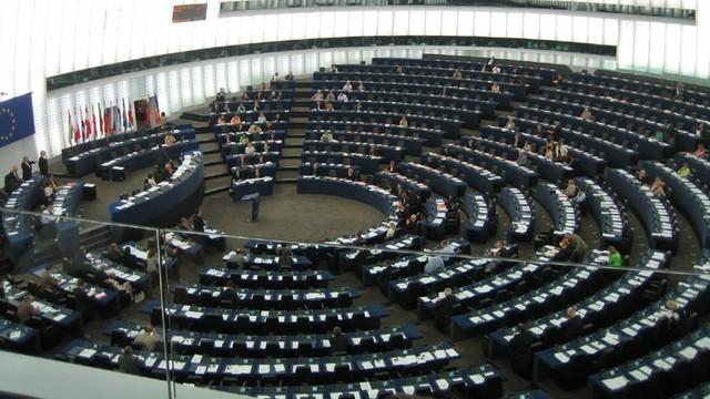 Europarlament zajmie się Polską dopiero po wakacjach