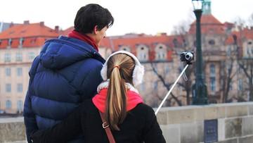 05-12-2015 14:13 Ban na kij do selfie. W tych miejscach nie zrobisz zdjęcia selfie stickiem
