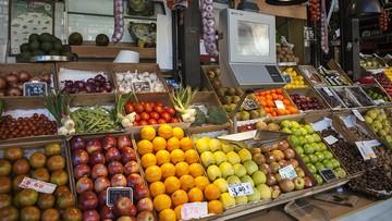 """29-09-2016 10:13 Kod na marchewki zamiast na jabłka. Klient supermarketu pozwany za """"straty finansowe"""""""