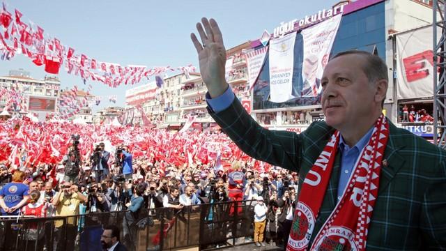 Turcja: Zatrzymano 49 osób za planowanie ataków przed referendum