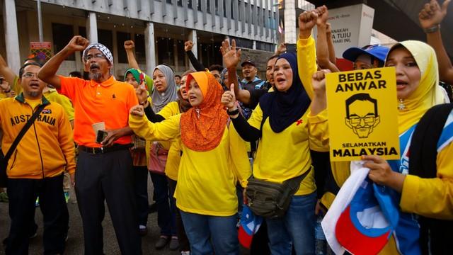 Premier Malezji wzbogacił się o 700 mln dolarów, obywatele chcą jego dymisji