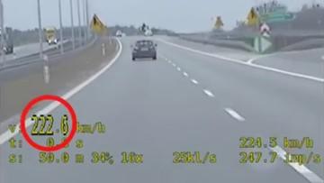Jechał z prędkością 222 km/h. Odebrał babcię i ciocię ze szpitala