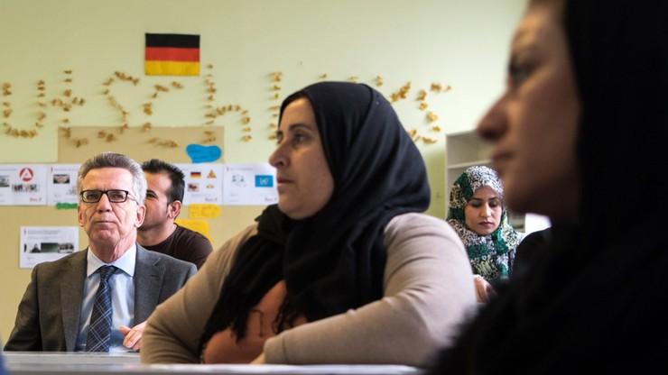 Ponad dwie trzecie Niemców za wstrzymaniem przyjmowania uchodźców