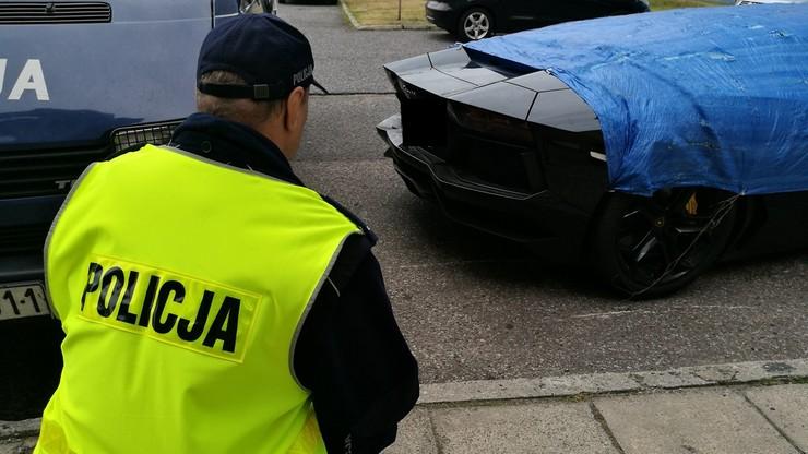 Lamborghini zostało zabezpiezone i umieszczone na policyjnym parkingu.