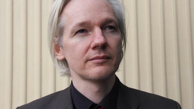 Assange bez dostępu do internetu z powodu ataków na Clinton