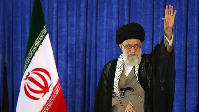 Chamenei: Iran nie będzie współpracować z wrogami - USA i W.Brytanią