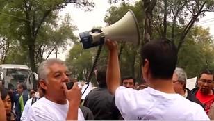 Meksyk: poszkodowani w trzęsieniu ziemi protestują na ulicach
