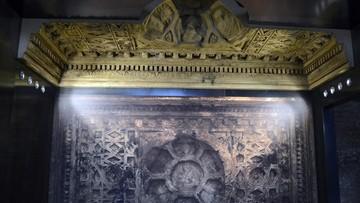 07-10-2016 06:09 Odtworzyli zniszczone przez dżihadystów zabytki. Niezwykła ekspozycja w Koloseum