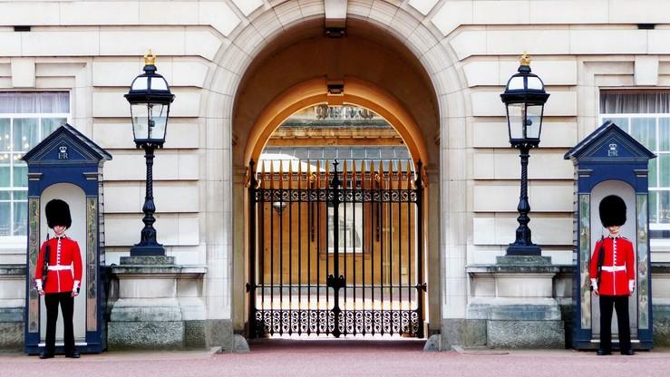 Elżbieta II: Brytyjczycy wstrząśnięci po zamachu w Manchesterze