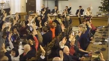 05-01-2017 14:36 Grzegrzółka: marszałek zezwolił na udział osób niebędących posłami podczas głosowania w Sali Kolumnowej