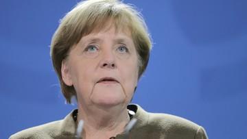 26-03-2016 21:36 Kanclerz Austrii krytykuje politykę kanclerz Merkel ws. uchodźców