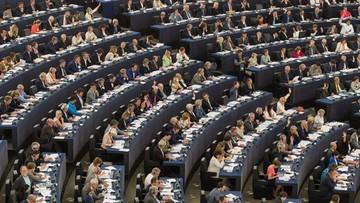 07-07-2016 14:51 Komisja PE rekomenduje zniesienie wiz dla obywateli Ukrainy, Gruzji i Kosowa
