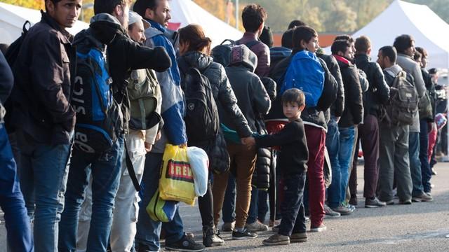 Niemcy: MSW nie potwierdza pogłosek o odsyłaniu uchodźców na Kretę